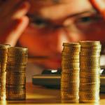 تاثیر دوگانگی وظیفه مدیرعامل بر ریسک سقوط آتی قیمت سهام